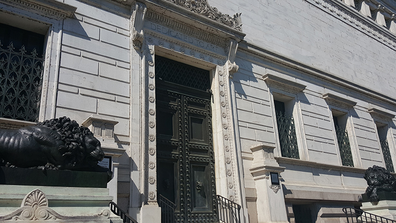 photo of the front entrance to the flagg building