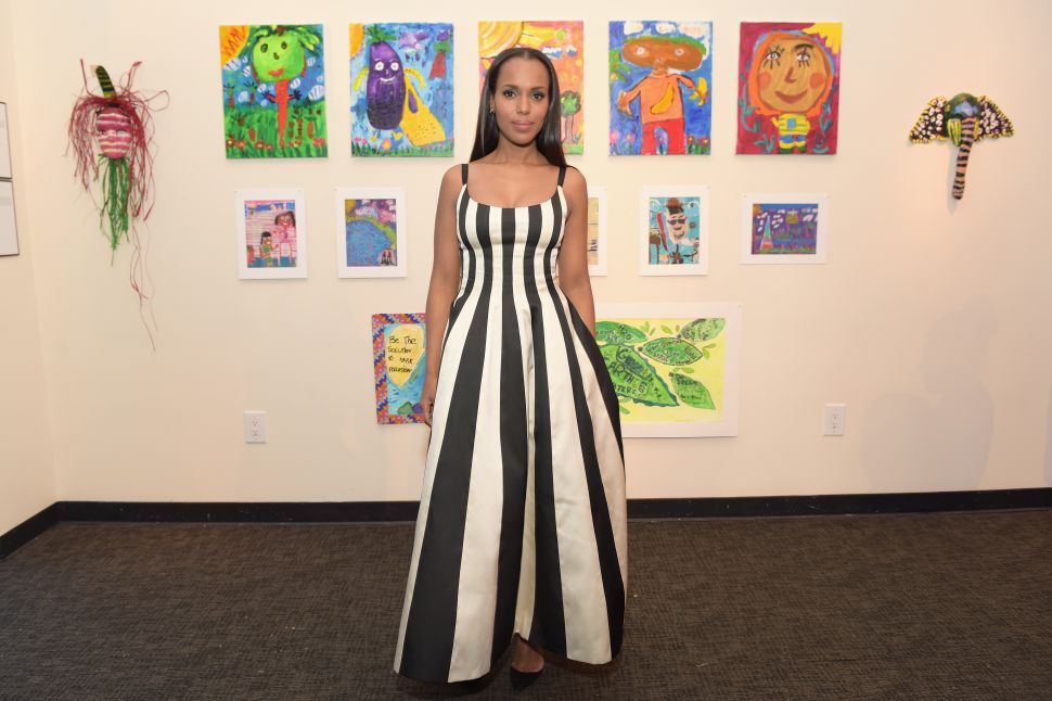 photo of kerry washington with artwork behind her from working with facebook on her new tv show