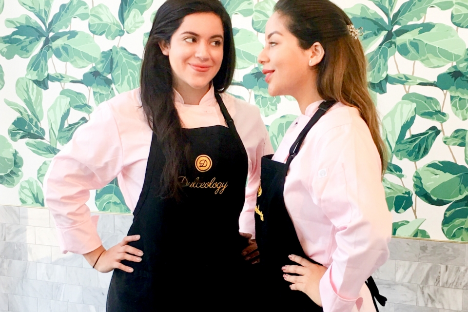 Edith Alejandra Leiva (l) and her sister Nicole Leiva (r) began selling alfajor cookies as a hobby and ended up being winners of